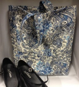 blue_paisley_tote_versatile_bag_dance_shoes_electronics_books_shopping_4426992b